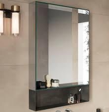 wandmontierter spiegel für badezimmer carrè rexa design
