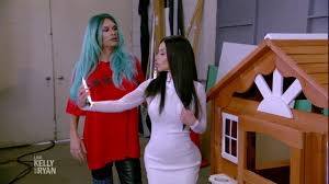Kelly Ripa Halloween Skit by Live U0027s Halloween 2017 Property Brothers Meet Kim And Kylie Youtube