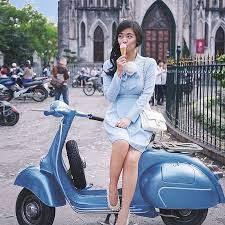 Scooter Girl Vespas 10
