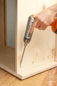 how to build a simple 2 door wooden cabinet