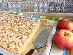 apfelkuchen vom blech wie bei oma mit saftigem rührteig