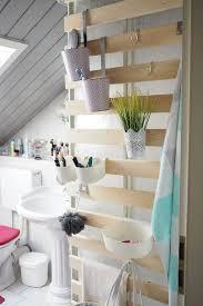 diy wandaufbewahrung im badezimmer alles sofort griffbereit