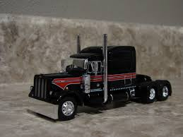 DCP 1/64 RED Black White Peterbilt Semi Truck Farm Toy Damage ...
