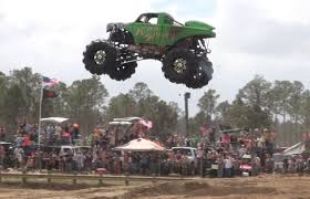 Redneck Yacht Club Mud Park, Truck Races