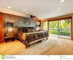 elegantes antikes schlafzimmer mit