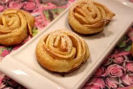 dessert aux pommes rapide roses feuilletées aux pommes pour ceux qui aiment cuisiner