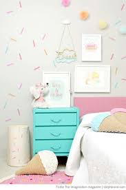 The 25 Best Girls Bedroom Wallpaper Ideas On Pinterest