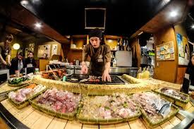 restaurant japonais chef cuisine devant vous l essentiel à savoir avant de partir en voyage au japon les bons