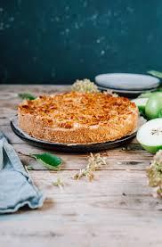 apfelkuchen mit bienenstichdecke so lecker und so saftig
