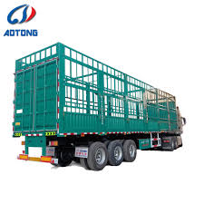 100 Cow Truck China 23 Axles Transporting Domestic Animals Trailer Cow