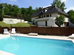 chalet 5 chambres à louer avec piscine privée et court de tennis