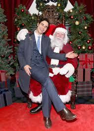 Harrows Christmas Trees Nj by A Mark Wahlberg Premiere U0026 Holiday Cheer In This Week U0027s Best