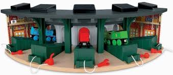 Tidmouth Sheds Wooden Roundhouse by Amazon Com Fisher Price Thomas The Train Wooden Railway Deluxe