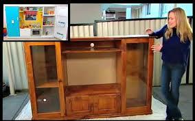 cuisine télé transforme un vieux meuble de télé en un espace de jeux pour