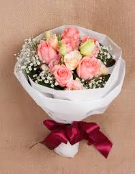 Red Or Pink Roses R03 Freestyle Bouquet Hand