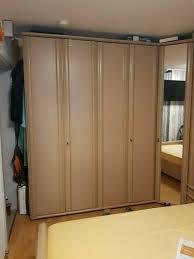 reduzziert tolles schlafzimmer viel platz überbau l form