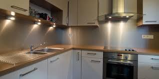 cuisine alu pose d une credence cuisine idees on decoration interieur