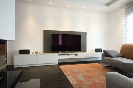 tv lowboard mit lederrückwand modern wohnzimmer