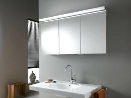 der ideale spiegelschrank fürs badezimmer