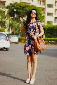 how to wear a floral skater dress casual ootd fashion factive