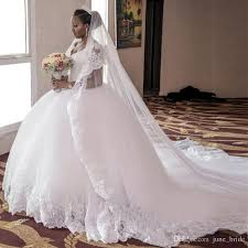 Romantic Princess Lace Tulle Ball Gown Wedding Dress y V Neck