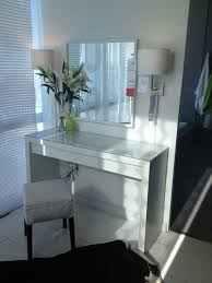 White Makeup Desk With Lights by White Makeup Table With Lights Makeup Daily