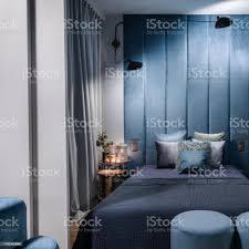 schlafzimmer blaues bett caseconrad