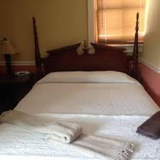 Burbank Rose Bed & Breakfast of Newport RI 32 s & 13