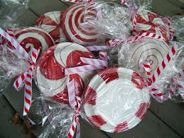 Paper Plate Peppermint Candy Decorations Cool Idea