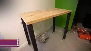 fabriquer table haute cuisine créer une table à roulettes économique minutefacile com