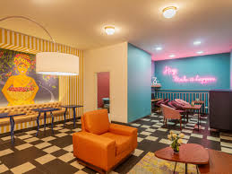 100 Pop Art Interior Las Colinas Boutique Hotel In Las Colinas Colombia