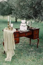 Shabby Chic Wedding Decorations Hire by Best 25 Cake Table Decorations Ideas On Pinterest Wedding Cake