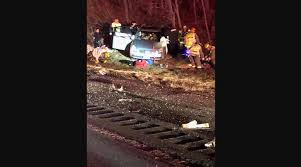 100 Hudson Valley Truck And Trailer Troopers Still Investigating I84 Wreck