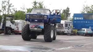 Monster Truck és Kaszkadőr Show - Győr 2013 (HD) - YouTube