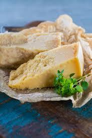 parmesan italien traditionnel fromage à pâte dure et grana padano avec g 94757644 jpg