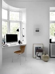 sous bureau original la fabrique à déco un coin bureau à la fenêtre idées d