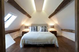 schlafzimmer mit dachschräge gestalten 8 tipps