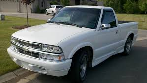 100 Chevy S10 Pickup Truck 2000 Chevrolet Information And Photos ZombieDrive
