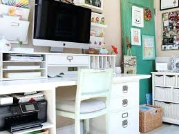 Cute Ways To Decorate Cubicle by Decorating Your Office Space For Christmas Cubicle Office Space