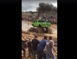 100 Mega Truck Racing A Mud Pit Tried To Eat This Mega Truck Houston Chronicle
