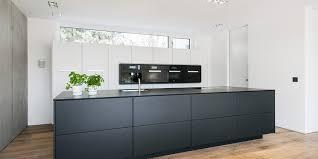 küche schwarz weiss eine portion mut gehört dazu