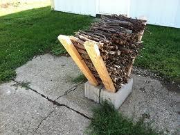 Easy Outdoor DIY Firewood Rack from Cinder Blocks • 1001 Gardens
