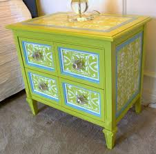 Unique Side Table Green Painted FurnitureUnique FurnitureFunky FurnitureWood FurnitureFurniture IdeasFurniture