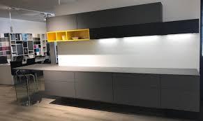 le suspendue cuisine cuisine exposition suspendue en fenix gris 5760 au lieu de 11535
