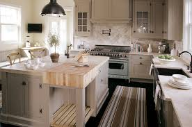 absolutely gorgeous the black pendant lighting matching in