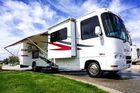 35 Thor Windsport Toy Hauler RV Rental With Satellite TV
