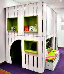 Beautiful Furniture Kids Playhouse From Up Cycled Pallets