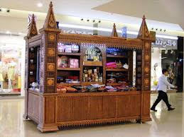 Candle Perfume Display Ideas Shop Store S Yankee Candles The Uk Leading Scented Smelling Good In