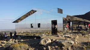 100 Desert House House Made Entirely Of Mirrors BeAmazed