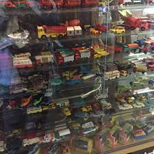 MATCHBOX TOYS- CARS & TRUCKS- MADE IN ENGLAND- LESNEY - The Packrats Den